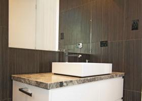 bardon-bathroom-crop-featured