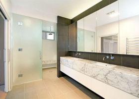 hamilton-bathroom-crop-featured