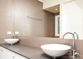 laceys-creek-bathroom-crop-featured