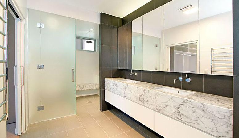 hamilton-bathroom-3