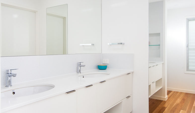 the-gap-2-bathroom-1